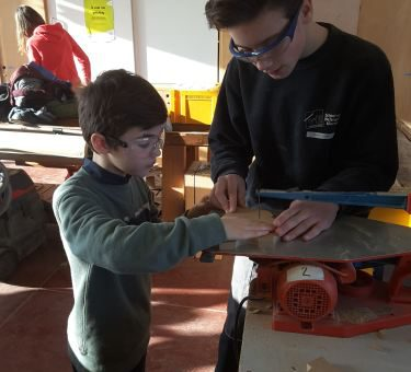 Bezoek 5de leerjaar 'de Ark' Oekene aan afdeling Hout