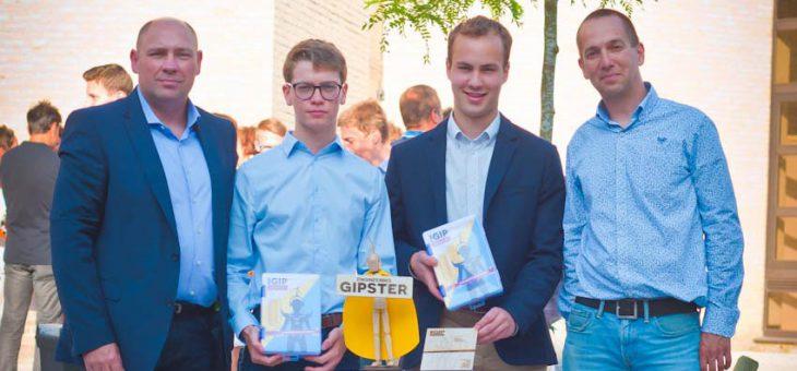 Siebe Devroe en Gilles Vanbeylen (beiden 6STEM/IW) hebben de GIP-award Engineering van Howest gewonnen